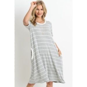 Dresses & Skirts - GRAY or NAVY Casual Tee Shirt Dress in Stripe New